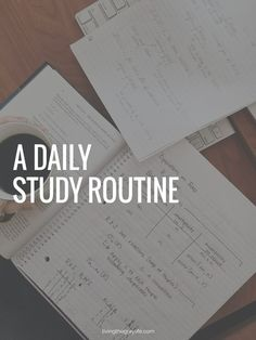 Struggling with finding time for friends and school while in college? Here's a daily study routine that works for me to make those A's and B's! inspiration A Daily Study Routine - Living the Gray Life College Success, College Hacks, Online College, Education College, College School, College Life, College Students, Uni Life, Boston College