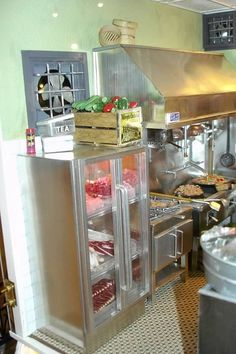 Restaurant Kitchen Work Stations tya kitchen miniatures | love this work station. wish i had a