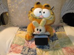 Garfield Magician w/ bunny in hat Plush Toy by Daysgonebytreasures, $12.00