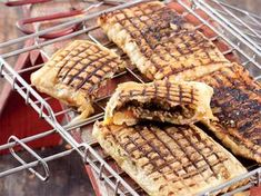 5 braai bread recipes to get fired up about Braai Recipes, Meat Recipes, Cooking Recipes, Recipies, South African Dishes, South African Recipes, Braai Pie, Kos, Camping Dishes