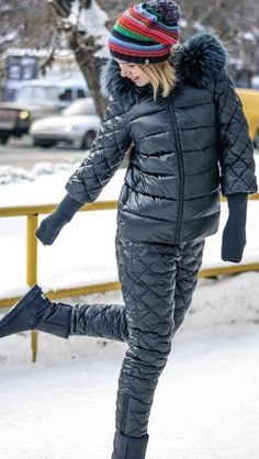 Nylons, Ski Fashion, Winter Fashion, Womens Fashion, Cool Jackets, Winter Jackets, Winter Outfits, Cool Outfits, Kendall Jenner