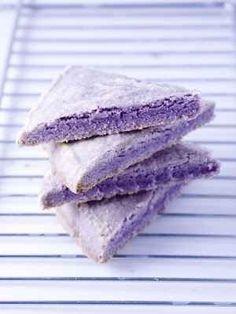 Get Lavender Shortbread Recipe from Food Network Shortbread Recipes, Cookie Recipes, Dessert Recipes, Shortbread Cookies, Tea Cookies, Fancy Cookies, Lavender Recipes, Lavender Ideas, Edible Lavender