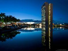 Fotografías nocturnas de la Brasilia de Oscar Niemeyer ganan en los Premios Internacionales de Fotografía 2013 Night Photographs of Oscar Niemeyer's Brasilia Win at the 2013 International Photography Awards – Plataforma Arquitectura