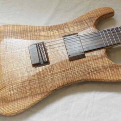 Halflight direct out 6 string guitar. Pickup: neodymium HD q2.0 Q-tuner.