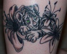 White Tiger Tattoo For Women Sara tattooscreens - google Lion Cub Tattoo, Tiger Tattoo Thigh, White Tiger Tattoo, Cubs Tattoo, Tiger Tattoo Design, Baby Tattoos, Body Art Tattoos, Small Tattoos, Sleeve Tattoos