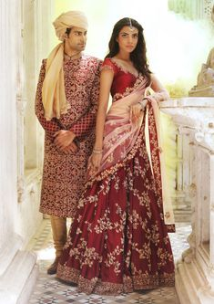 Shyamal & Bhumika have the most gorgeous Indian wedding outfits I've ever seen! Indian Bridal Lehenga, Indian Bridal Outfits, Indian Party Wear, Indian Bridal Fashion, Indian Bridal Wear, Indian Dresses, Indian Wear, Asian Fashion Indian, Indian Inspired Fashion