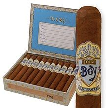 Alec Bradley It's a Boy - Alec Bradley presents its new It's a Boy Cigars! Celebrate the arrival of a new born with friends and family. Alec Bradley cigars are notorious It's A Boy Cigars, Strap On Vibrator, Boy Box, Cigar Store, Premium Cigars, Cigar Cases, Having A Baby Boy, Baby Born, Baby Pictures