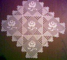 Crochet And Arts: Filet Crochet Wipes - maallure Filet Crochet Charts, Crochet Borders, Crochet Squares, Crochet Table Runner Pattern, Crochet Tablecloth, Crochet Doilies, Lace Patterns, Knitting Patterns, Crochet Patterns