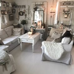Instagram: Lolvind Dere, Country Chic, Shabby Chic Decor, Gallery Wall, Cottage, Couch, Photo And Video, Interior Design, Furniture