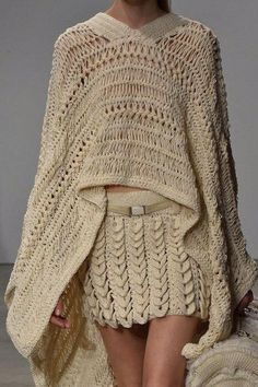 Allude at Paris Fashion Week Spring 2015 - Details Runway Photos crochet Shawl Crochet, Hairpin Lace Crochet, Knit Crochet, Knit Poncho, Crochet Edgings, Crochet Motif, Knitwear Fashion, Knit Fashion, Knitting Patterns