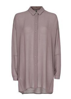 MANGO - Blusa larga de gasa con cierre de botones frontal, manga larga con costura decorativa y puños abotonados.