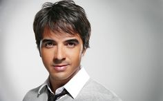 Download wallpapers Luis Fonsi, Portrait, Puerto Rican singer, famous singers