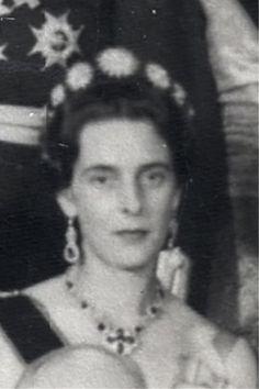 a close up of Princess Theodora of Baden, nee Greece, Bernhard's grandmother, wearing the sunburst tiara
