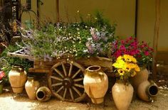 Decorate-your-garden-with-a-wagon-and-flowers