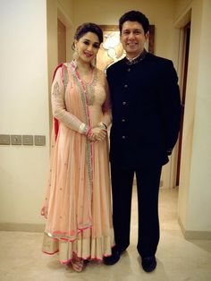Buy Bollywood Madhuri Dixit Anarkali US$ 93.90  . shop online - bollywood-ankle-length-anarkali.blogspot.co.uk/2014/04/buy-bollywood-madhuri-dixit-anarkali-us.html