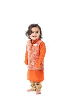 Brocade jacket with cotton lining and cotton silk kurta and pajama Kids Party Wear, Kids Wear, Dance Dresses, Girls Dresses, Baby Dresses, Kids Kurta, Sari Shop, Baby Boy Decorations, Boy Fashion
