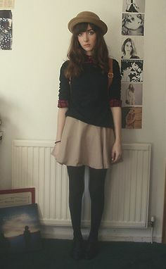 skirt should be a bit longer, but except for that this outfit is soooooo perfect!!!