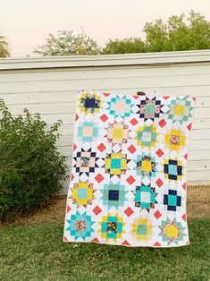 Beginner Quilt Patterns, Star Quilt Patterns, Modern Quilt Patterns, Quilting For Beginners, Triangle Quilt Pattern, Square Patterns, Half Square Triangle Quilts, Square Quilt, Star Quilt Blocks