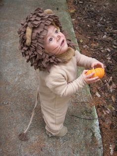 Child's lion costume tutorial.