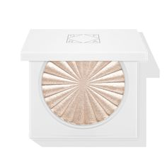 TALIA MAR- A champagne rose color- Covent Garden Highlighter -Ofra Cosmetics Ofra Highlighter, Bronzer, Highlighters, Rodeo, Madison Miller, Make Up Tutorial Contouring, Pigmentation, Makeup Items, Makeup Brands