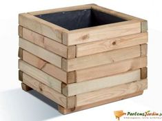 3 Fun And Easy DIY Woodworking Projects That You Can Complete This Weekend Wooden Planter Boxes Diy, Garden Planter Boxes, Diy Planters, Woodworking Projects Diy, Woodworking Furniture, Diy Wood Projects, Outdoor Furniture Plans, Diy Pallet Furniture, Decoration