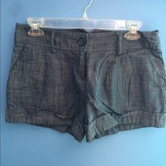 NWT Mid rise soft denim shorts Mid rise shorts that look dressier than typical denim shorts. Material is soft and comfortable. Can be worn for a dressy casual style Forever 21 Shorts Jean Shorts