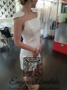 Χειροποίητο αστραφτερό φόρεμα με κεντημένη παγιέτα. #eugeniaainalaki #wedding #bridaldress #weddingdress #greekdesigners #weddinggown #handmade #hautecouture #weddingoutfit #laceweddingdress #bridaloutfit #lace #bridaldesigner #tailirmade #outfit #promdress #sparklingdress Formal Dresses, Wedding Dresses, One Shoulder Wedding Dress, Fashion, Dresses For Formal, Bride Dresses, Moda, Bridal Gowns, Formal Gowns