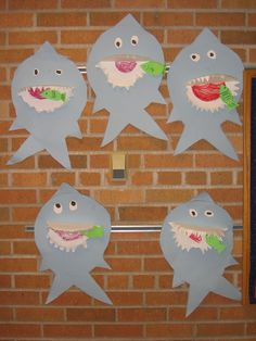 My boys would LOVE this fun Shark craft!