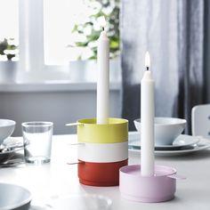 De 4 VÄLKÄND lysestager i matchende farver kan stables eller bruges hver for sig.