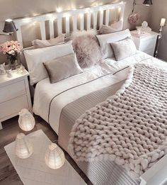 Small bedroom decorating ideas including cozy decor such as faux fur, lots of pillows, blankets, han Cute Bedroom Ideas, Room Ideas Bedroom, Home Decor Bedroom, Bedroom Themes, Bedroom Styles, Bedroom Inspo, Cozy Small Bedroom Decor, Bed Room Color Ideas, Decorating Small Bedrooms