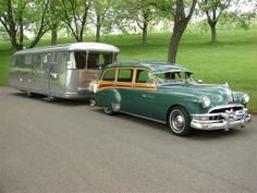 1952 Pontiac Woodie Wagon. The trailer is a 1946 Spartan Manor.