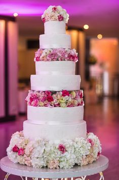 Wedding Cakes Up-to-date Trends At This Time - Choose Them For Your Thoughtful Wedding Celebration.