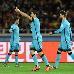 El uruguayo marcó un 'hat-trick' para derrotar al Guangzhou chino en las semifinales del Mundial de clubes y citarse con River Plate en la final del domingo.