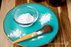 Try this homemade face powder recipe for oily skin - it only costs 61 cents to make! - at livingthenourishedlife.com