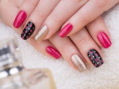 35 Extremely Easy Nail Art Designs And Styles For Beginners Simple Nail Art Designs, Pretty Nail Art, Beautiful Nail Designs, Beautiful Nail Art, Easy Nail Art, Cute Red Nails, Nail Art At Home, Red Nail Art, Blue Nail