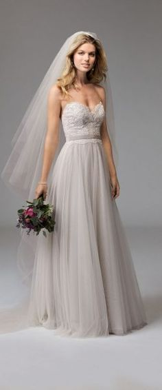 gefunden bei HAPPY BRAUTMODEN         Brautkleid Hochzeitskleid edel elegant romantisch Watters Willow by Wtoo fließender Rock Spitze