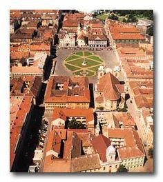 Union Square, Timisoara City, RO Wonderful Places, Beautiful Places, Timisoara Romania, Famous Castles, Union Square, Cityscapes, All Over The World, Scenery, Wildlife