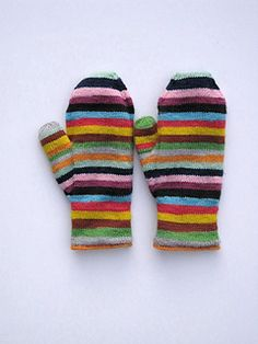 Ravelry: lorettaknits Trailing Clouds Mittens - colours without being too complicated, stripey, or rainbow - Sensible Crafting Crochet Mittens, Knitted Gloves, Knit Crochet, Knit Cowl, Knitted Shawls, Crochet Granny, Hand Crochet, Knitting Projects, Knitting Patterns