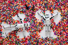 Pin for Later: Photos of Star Wars Legos in Different Situations Are Like a Burst of Happiness This is what happiness looks like on the dark side of the Force. Stormtrooper, The Dark Side, Lego Photo, Nerd Love, Toys Photography, Figure Photography, Sale Poster, New Instagram, Geek Culture