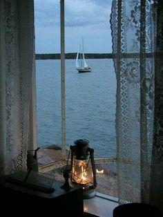 en bordure 田 fenetre windown fenster horizon seascape paysage marin lantern mood Ventana Windows, Window View, Window Lights, Rear Window, Foto Art, Through The Window, Am Meer, Beach Cottages, Belle Photo