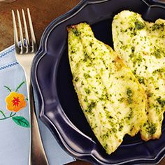 Your family will enjoy this healthy Grilled Fish Fillet with Pesto Sauce dinner recipe, specially cooked in the Philips Airfryer. Air fry for just 8 min.