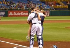 The Tampa Bay Rays and the USO reunite a military family: this made me cry
