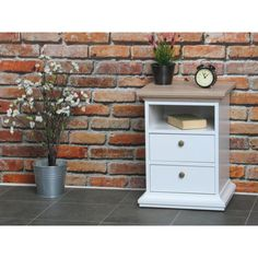Venedig nattbord hvit og eik dekor, bredde 43 cm og høyde 58 cm.