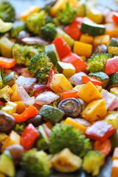 Roasted Vegetables - The easiest, simplest, and BEST way to roast vegetables - perfectly tender and packed with so much flavor! A good basic recipe for whatever kind of vegetables you have on hand. Side Dish Recipes, Vegetable Recipes, Vegetarian Recipes, Cooking Recipes, Healthy Recipes, Vegetable Medley, Vegetarian Grilling, Healthy Grilling, Clean Eating