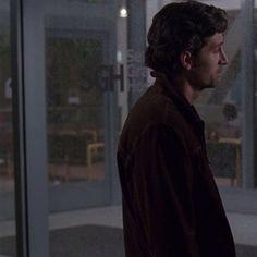 Couple Greys Anatomy part 2 Patrick Dempsey, Derek And Meredith, Grey's Anatomy Wallpaper, Anatomy Images, Greys Anatomy Characters, Lexie Grey, Matching Wallpaper, Cristina Yang, Crush Memes