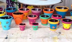 Porque cor nunca é demais!!!  #alemdaruaatelier #alemdarua #verokraemer #vasosdecorados #vasoscoloridos #vasosdecorativos #artesanato