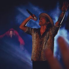 Bruno Mars, Moonshine Jungle Tour
