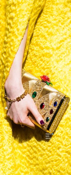 Dolce & Gabbana Fall 2019 Ready-to-Wear Fashion Show Details: See detail photos for Dolce & Gabbana Fall 2019 Ready-to-Wear collection. Look 173 Costume Rings, Vogue, Yellow Fashion, Mellow Yellow, Italian Fashion, Luxury Bags, Plexus Products, Handmade Bracelets, Fashion Bracelets