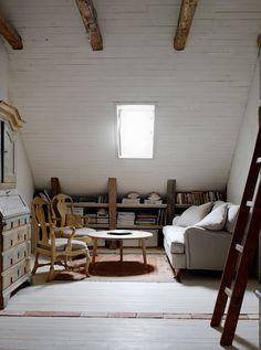 cozy under the eaves ähnliche tolle Projekte und Ideen wie im Bild vorgestellt findest du auch in unserem Magazin . Wir freuen uns auf deinen Besuch. Liebe Grüß