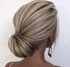 😍 … stunning hair by ・・・ hochzeitsfrisuren photo 2019 🌞🌞🌞 Happy Stunning Hair Saturday! 😍 … stunning hair by ・・・ hochzeitsfrisuren photo 2019 Bridal Hair Updo, Wedding Hair And Makeup, Hair Makeup, Chignon Wedding, Updo For Short Hair, Wedding Hairstyles For Short Hair, Medium Hair Updo, Blonde Bridal Hair, Wedding Upstyles